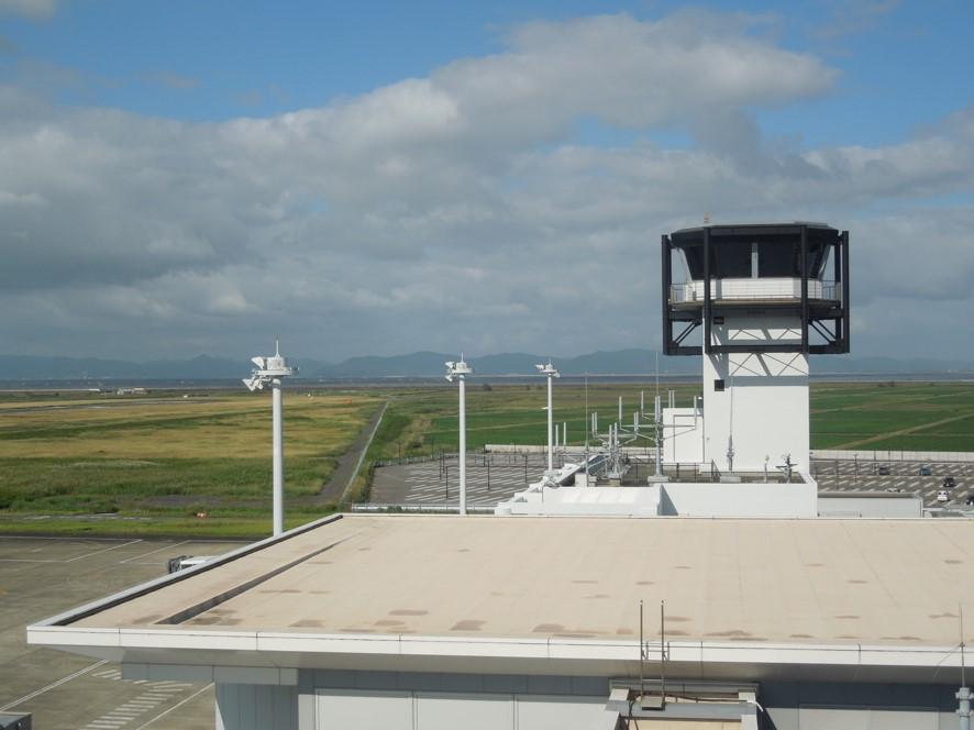 佐賀空港の管制塔