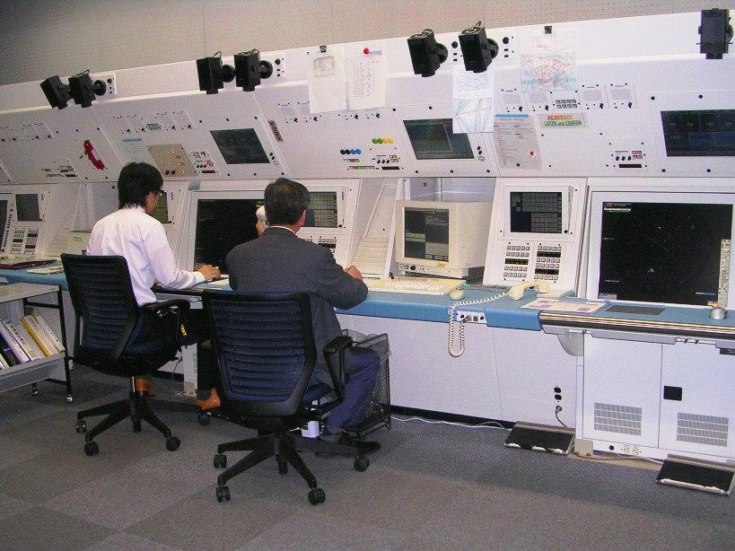 レーダー管制室の画像