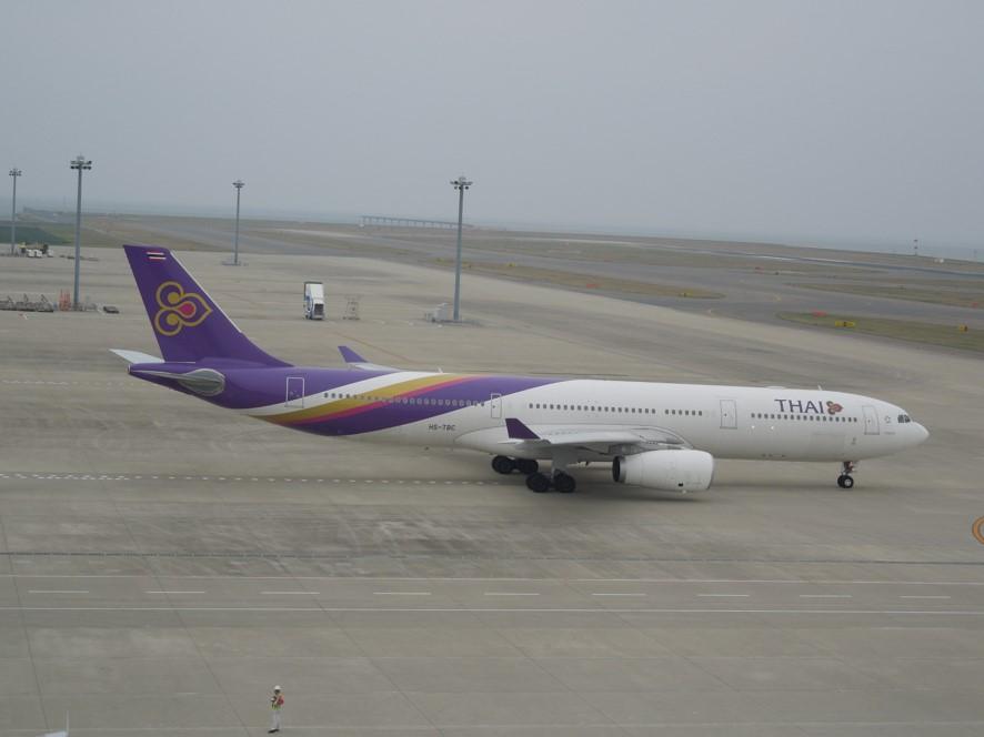 タキシー中の飛行機